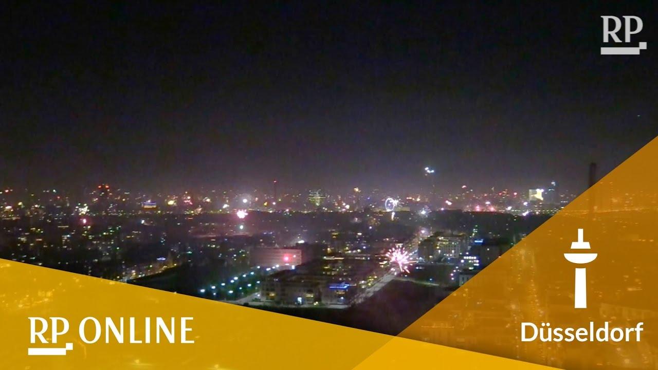Silvester-Feuerwerk: Düsseldorf begrüßt das neue Jahr - YouTube