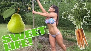 Almost 50 year old Farm Girl in Bikini makes PARROT JUICE!