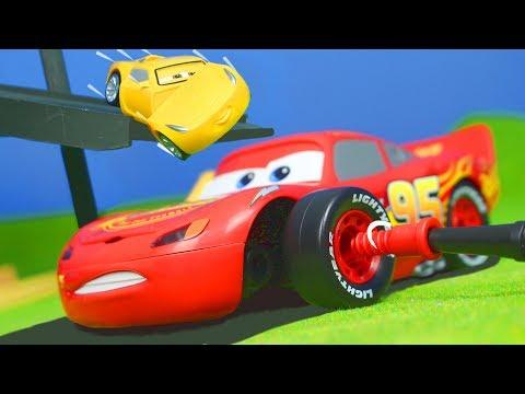 Disney Cars 3: Spielzeugautos Von Lightning McQueen Im Junior Kit | Unboxing Für Kinder Auf Deutsch