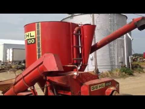 GEHL 100 MIX MILL FEED GRINDER MIXER CORN CATTLE HOGS GOOD SCALE STORED INSIDE