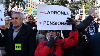 España: pensionados protestan frente al Congreso