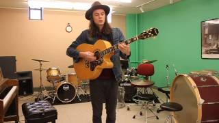 """Gambar cover """"Move Together"""" - James Bay A-Sides Acoustic Performance"""