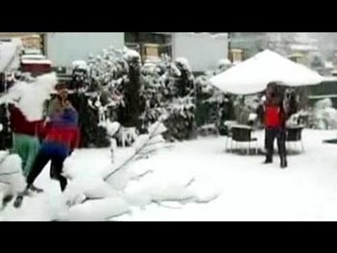 White New Year for Kashmir as valley receives fresh snowfall
