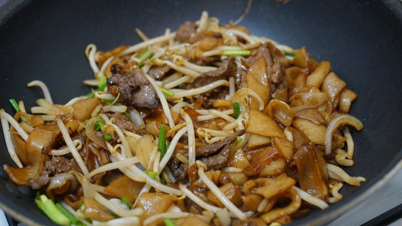 Stir Fried Rice Noodles With Beef Recipe Ho Fun Chow Fun Morgane Recipes Youtube