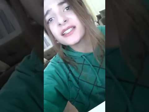 Sevgilisinden ayrılan kızın ağlatan şiiri