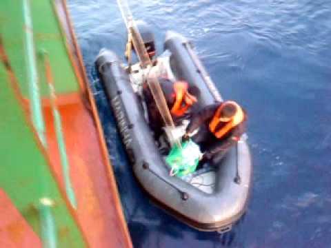 Katrine Krog: ayuda de la marina portuguesa, en Lisboa