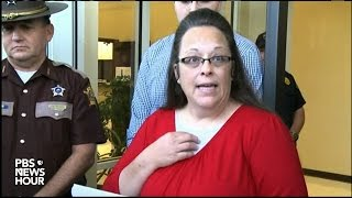 Kentucky clerk Kim Davis promises not to interfere with gay marriage licenses