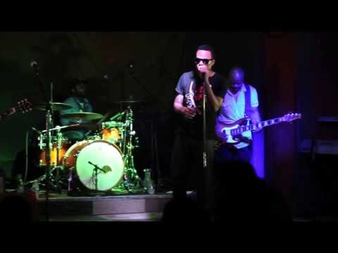 "Bilal ""Sometimes"" Live in Fresno at Fulton 55 (Best Live Performance)"