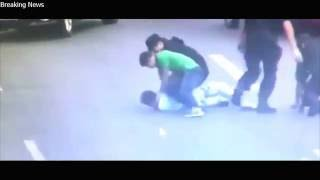 Female Chinese SWAT team officer enchanting knife wielding man goes viral