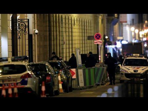 Braquage à la hache au Ritz: 3 personnes interpellées et 4 millions d'euros de bijoux dérobés