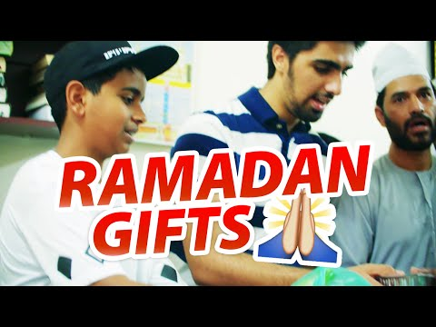 Giving Back To The Community During Ramadan w/ Mo Vlogs