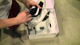 Xbox 360 4GB Kinect Bundle Unboxing