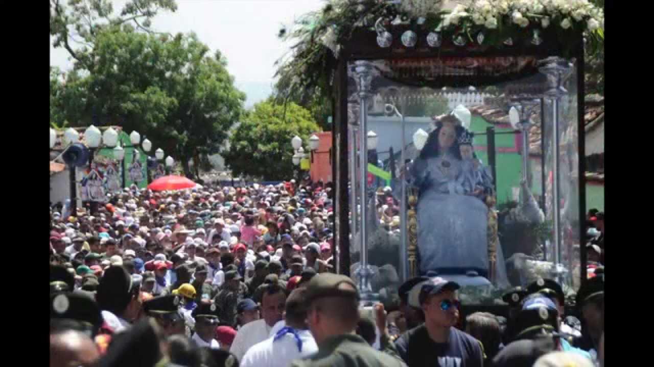 Las mejores fotografías de la procesión 159 de la #DivinaPastora ...