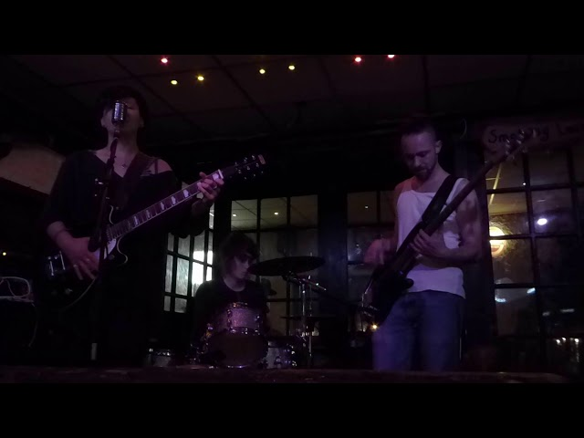 20190531 - Irish Pub - Marble Mother - Good morning