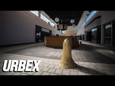 Exploring an Abandoned Mall - Miracle City Mall