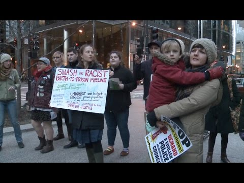 Chicago Residents Stage Protest Against Trump's Revised Travel Ban
