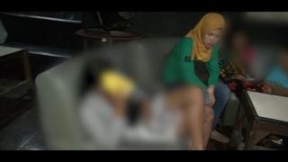 Video Petugas Gerebek Sekumpulan Gadis-gadis yang Menemani Tamu di Cafe - 86 download MP3, 3GP, MP4, WEBM, AVI, FLV Januari 2018