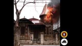 ABRIL Y LOS PAJARITOS ZOMBIES (EP 2012) - Fantasmas