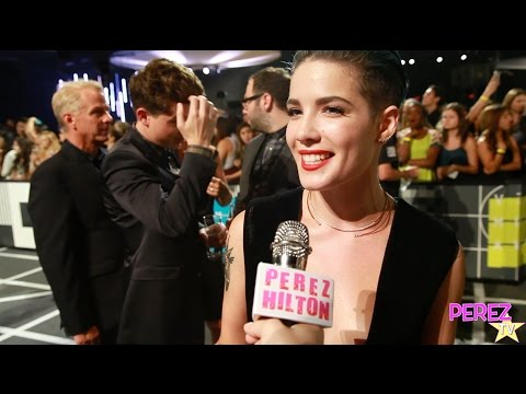 Halsey Dishes On The Meaning Behind Her New Al Badlands At The Mtv Vmas
