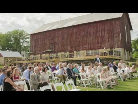 beautiful-barn-wedding-in-wisconsin-|-over-the-vines
