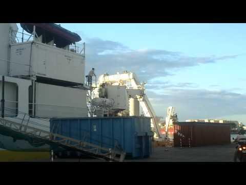 L'Atalante navire de l'Ifremer,Port Ouest Réunion.