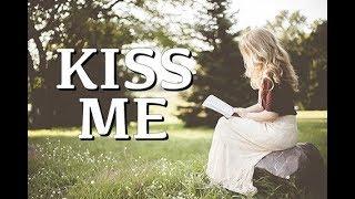 La Chica Looper Cantando l Kiss Me