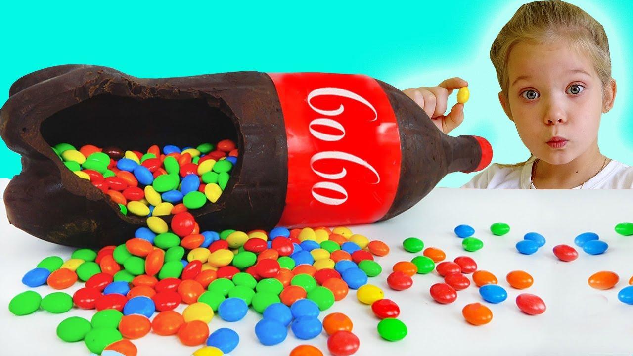Lera and mom Chocolate & Soda Challenge