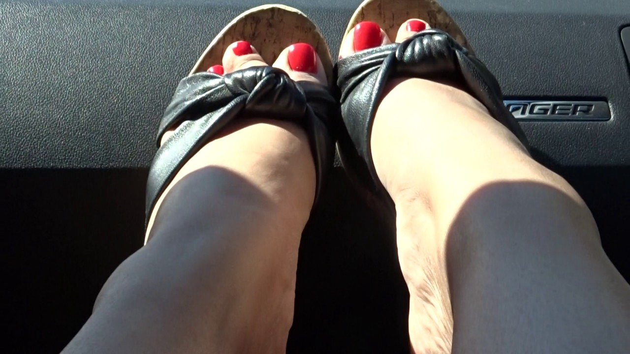 Wedges Shoeplay in the car