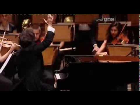Dissabte anticiclònic amb sol, mala visibilitat per culpa de les partícules de pols i contaminació i temperatures agradablement càlides. Dilluns, dia de Sant Jordi, el cel s'omplirà de núvols alts que deixaran al sol una mica amortit, però sense conseqüències. Anar preparant el paraigua per dijous que ve. Shahrdad Rohani és un compositor, violinista, pianista i director d'orquestra iranià-americà. El seu estil és contemporani i és molt conegut per compondre i dirigir bandes sonores clàssiques, instrumentals, contemporànies, new age, de cinema i pop. En aquest cas anem a gairebé visualitzar mitjançant la música, el voleteig de les papallones i altres insectes típics d'aquesta estació de l'any, gràcies a Dance of Spring (Dansa de la Primavera) des de la sala London Cadogan interpretada per: The Orion Symphony Orchestra.
