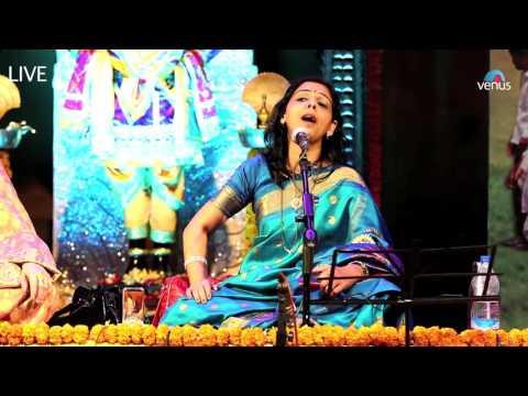 Abir Gulal Udhalit Rang - Manjusha Patil