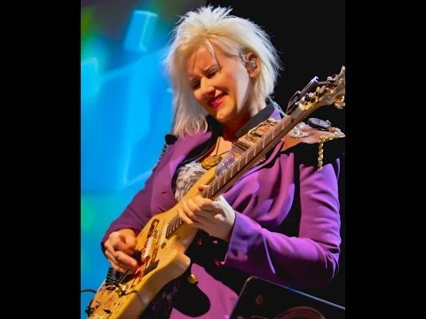 Jennifer Batten 22 Ultimate Guitar Licks - Live at Sound Bites Grill Sedona AZ