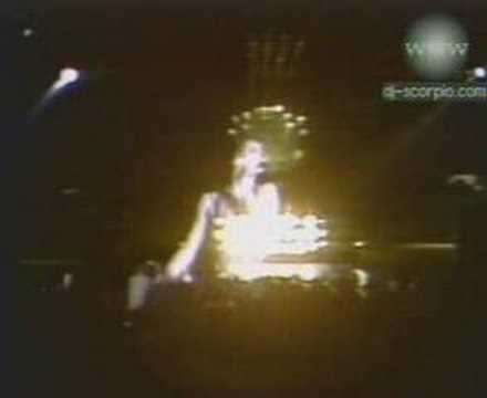 Queen -- Love Of My Life (Live Killers) - YouTube