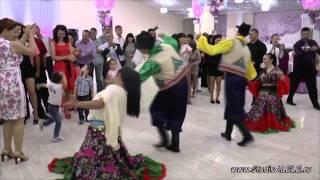 Цыганский танец на молдавской свадьбе