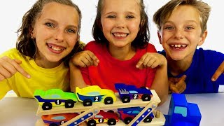 Learn English Colors! Race Car toys with Sign Post Kids!