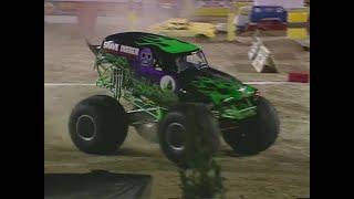 Grave Digger vs Prowler Monster Jam World Finals Racing Round 1 2000