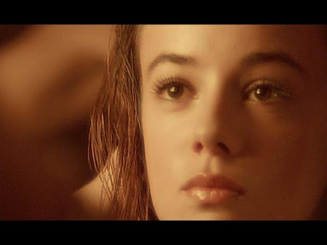 "26/07/2000 - Première diffusion du clip de ""Moi... Lolita"""