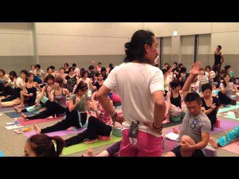 Yokohama Yoga Festa2013, Vaikuntha Yoga Class by Ikki Bando