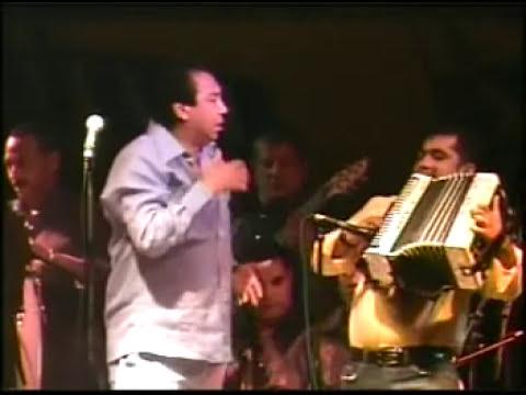 Pelea De Diomedes Diaz Con los Asistentes por El mal sonido. Caracoles de Colores En Riohacha