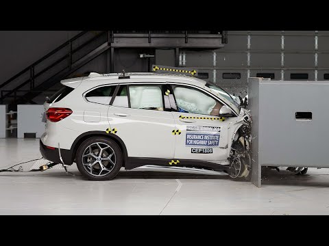 2018 BMW X1 Passenger-side Small Overlap IIHS Crash Test