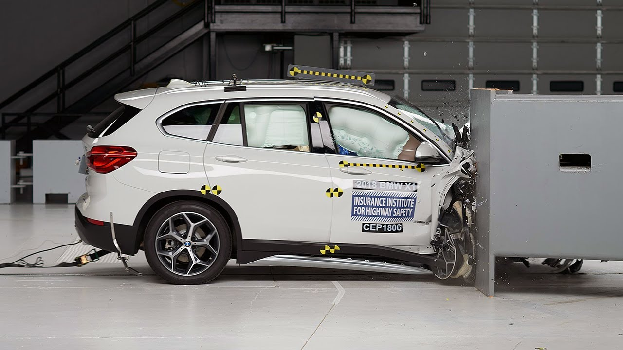 2018 Bmw X1 Passenger Side Small Overlap Iihs Crash Test Youtube