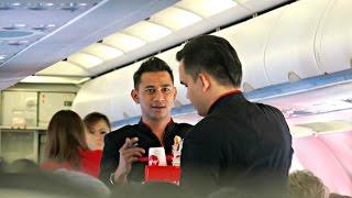 Video AirAsia Flight Experience: AK717 Kuala Lumpur to Singapore download MP3, 3GP, MP4, WEBM, AVI, FLV Agustus 2018