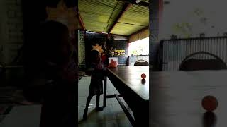 The first time training serves table tennis