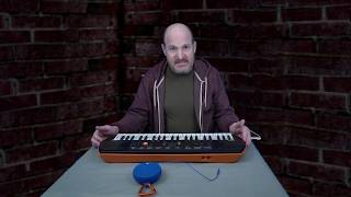 How I made the Casio SA-76 sound better using a small Bluetooth speaker