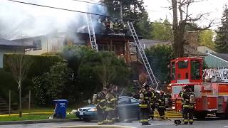 West Seattle Fire Destroys House April 10, 2015 - World's BEST Seattle Fire Department Live Footage