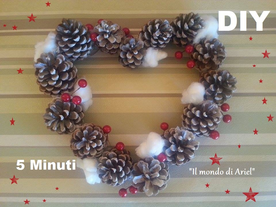 Diy ghirlanda natalizia con pigne e fiori di cotone diy - Centro tavoli natalizi con pigne ...