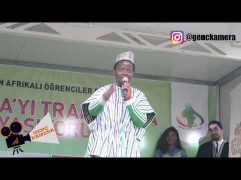 Türkiye'de, Trabzon'da bir Afrikalı olmak, Kenya'lı Bakari'den stand up gösterisi