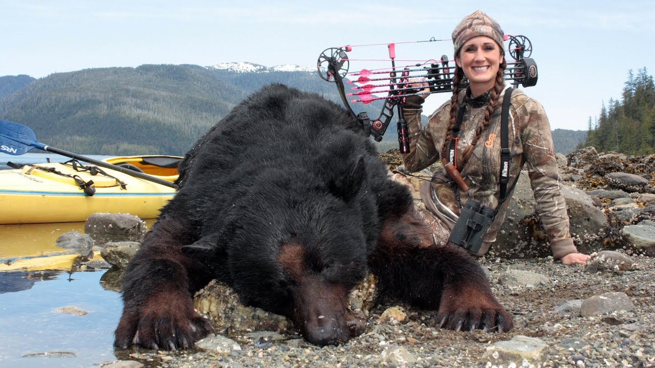 Sleeping Girl Wallpaper Melissa Bachman Charging Alaska Bear Winchester Deadly