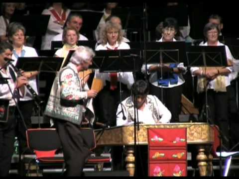 8. Rum. Folklore mit Ensemble Pirvu