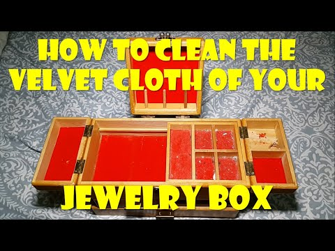 How to Clean the Velvet Cloth of Your Jewelry Box