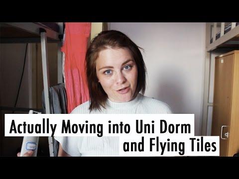UNI VLOG CHINA: Flying Tiles in The Dorm // 中国生活:中传国际宿舍